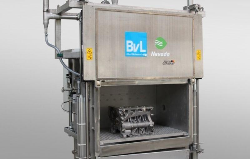 Secador de vacío Nevada de BvL con pieza y compuerta abierta