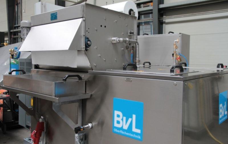 Zentralversorgungsanlage zur Speisung von Hochdruck- und Niederdruckreiniguungssystemen