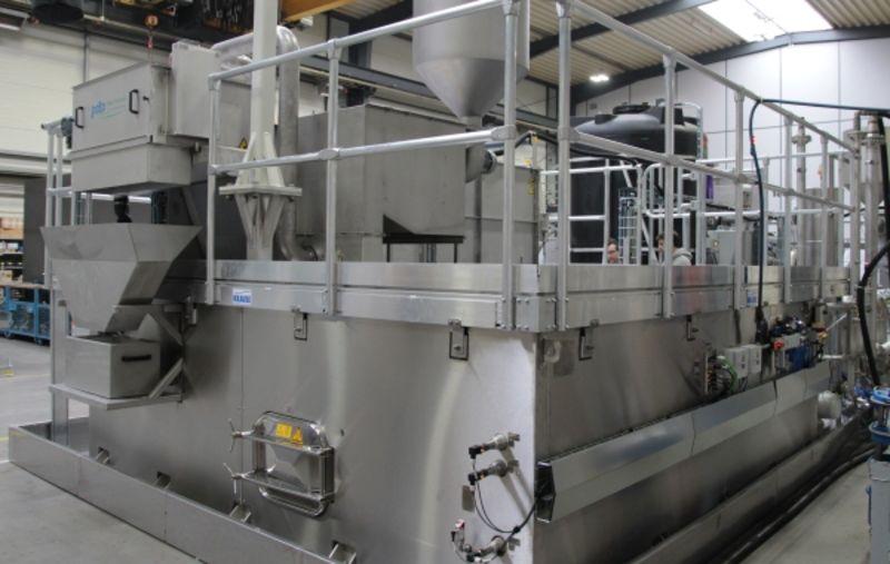 Zentralversorgungsanlage versorgt dezentral angeordnete Reinigungsanlagen