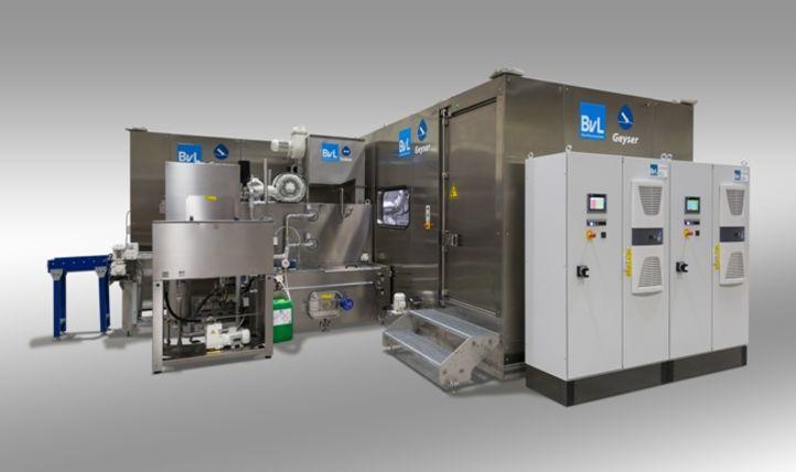Hochdruckreinigung Geyser wird kombiniert mit weiteren Reinigungsanlagentypen, zum Beispiel mit einer Yukon Durchlaufanlage