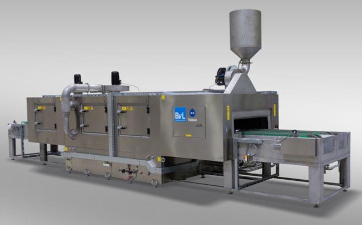 Integriert in automatisierte Fertigungslinie werden neue Bahnräder in BvL-Durchlaufanlage Yukon gereinigt.
