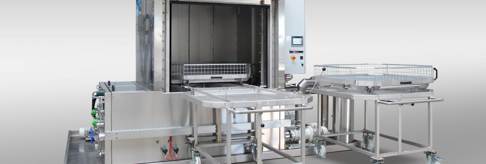Die große Drehtelleranlage OceanRW/RD der BvL Oberflächentechnik ist eine Spritzreinigungsanlage, ausgelegt für besonders schwere Teile