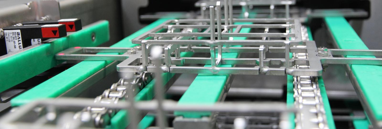 Waschgerechter Warenträger bei einer Durchlaufanlage